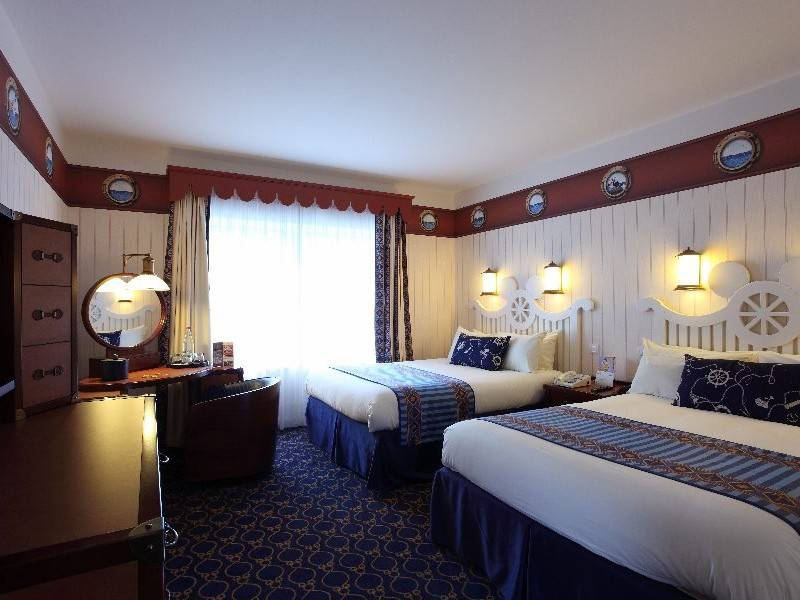 Disneys Newport bay club standard room