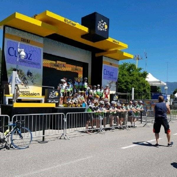 stage for the tdf finish